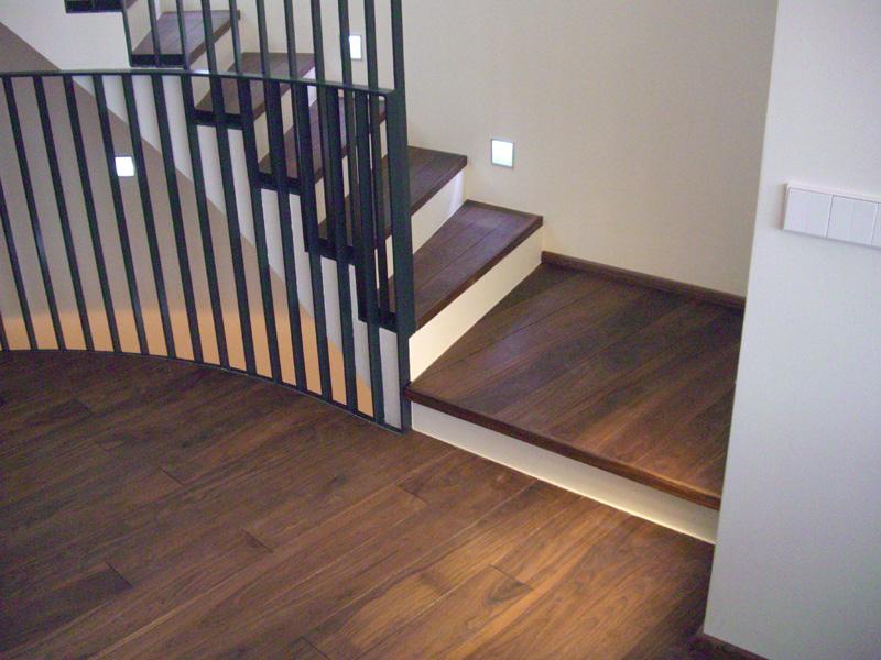 massivholz stufen und treppen trittstufen. Black Bedroom Furniture Sets. Home Design Ideas